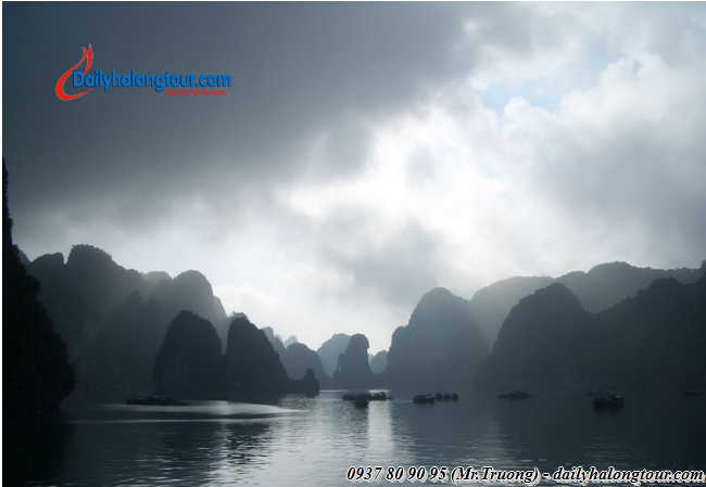 Aug-Oct is the ideal period for exploring Ha Long Bay
