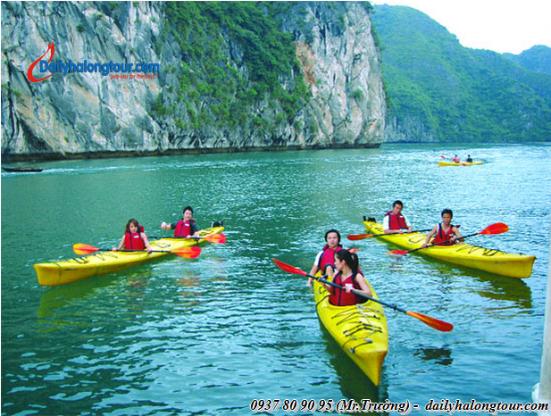 The popular tourist destination in Ha Long Bay